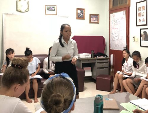 Second-year Students Participate in Debate Competitions